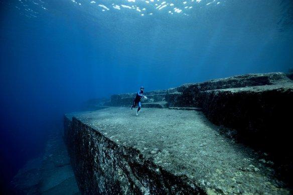 Guillaume Nery en apnÈe dans l'Atlantide Japonais : Yonaguni